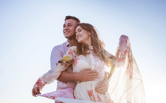 5 Signs That Indicate You Are Addicted To Your Partner